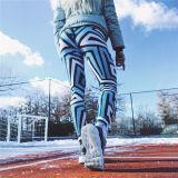 最新のデザイン女性の青い格子縞プリント方法スポーツのタイツは伸縮性があるヨガのズボンを厚くする