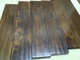 Выскобленные рукой пола твёрдой древесины грецкого ореха акации