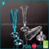 Claro del plástico de las flautas de champán