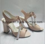Sandálias das mulheres do couro de miúdo da senhora Quadrado Salto