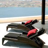 De openlucht Langere Ligstoel van Sunbed van het Bed van de Rotan van het Meubilair van de Tuin van het Strand van de Pool Liggende