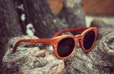 Lunettes de soleil en bois du best-seller avec la lentille de miroir