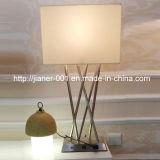 Zeitgenössische Nickel-Schlafzimmer USB-Schreibtisch-Tisch-Lampen-Licht-Beleuchtung für Haus im Begie Gewebe-Farbton, H700mm
