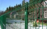 鋼線の網の塀(、塗られるPVC電流を通される。)