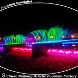 Cascata del fiume sulla fontana del ponticello