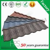 Type tuile de secousse de toit enduite de pierre en aluminium de couleur