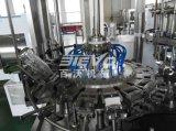 유리병의 탄산 번쩍이는 음료 충전물 기계