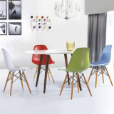 Replica Dining Plastic Chair Cores opcionais PP Plastic Chair (SP-UC026)