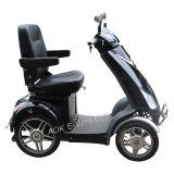 Scooter électrique handicapé à quatre roues, scooter de mobilité pour des personnes plus âgées