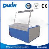Corte de acrílico/grabado del laser del CO2 de la venta caliente hecho a máquina en China