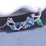 Il fiore di farfalla dell'argento sterlina di modo delle donne lascia la collana Pendant di cristallo