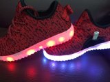 Новые ботинки проблескового света конструкции СИД для людей