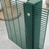 PVC Coated Galvanized 4mm Security Welded反Climb Fence Panel