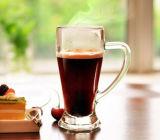 Бессвинцовая стеклянная чашка пива выпивая стекла чашки с ручкой