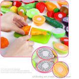 Отрезанный отрезок фрукт и овощ счастливый учащ игрушки