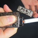 Allumeur rechargeable de cigarette gravé en relief par fleur noire d'arc électrique