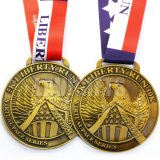 型のリボンが付いている骨董品によって押される金張りのカスタムロゴのツーリストの記念品のスポーツ賞の金属の円形浮彫りメダルハンガー