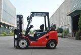 De rode Nieuwe 2.5t Vorkheftruck van de Benzine met de Motor van Nissan K25 en Triplex 4.3m Mast