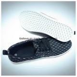 De In te ademen Vlakke die Schoenen van de zomer in China worden gemaakt