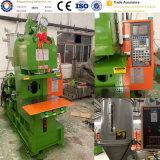 Vertikale Plastikeinspritzung-Maschine für elektrischer Strom-Anzeige Wechselstrom-Stecker