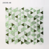 緑および白いクリスタルグラスは浴室の壁のためのモザイクをタイルを張る