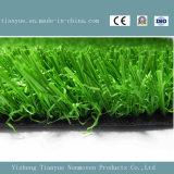 Het Kunstmatige Gras van de voetbal met de Gaten van de Drainage