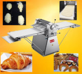 完全なステンレス製の専門のパン屋装置520mmの垂直こね粉Sheeter