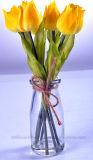 Tulipán artificial vivo en vidrio con agua del Faux para cualquie decoración pública