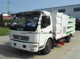 Camion de nettoyage de vide de Dongfeng 4*2 Rhd LHD