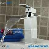 Rubinetto d'ottone di vendita della cascata della stanza da bagno dei fornitori della Cina migliore