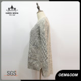 Frauen-graues Pocket Kabel gestrickte Strickjacke