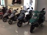 Motocicleta elétrica da motocicleta interurbana de E com a caixa grande da carga