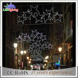 Luzes feericamente da corda do diodo emissor de luz com a estrela para a decoração da rua
