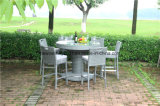 Im FreienRattan Round Bar Table und Rattan Bar Chairs