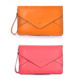 Le donne classiche avvolgono la borsa Wzx1037 della frizione dell'unità di elaborazione del sacchetto