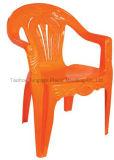 주조된 시트 및 뒤를 가진 플라스틱 대중음식점 안락 의자 주입 형