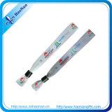 Polyester Heat Transfer Printed Satin Wristband mit Plastic Klipp