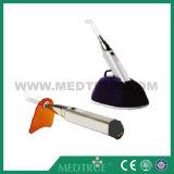 Diodo emissor de luz dental médico do Built-in da venda quente aprovada de CE/ISO que cura a luz (MT04006054)