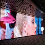 P4 colore locativo dell'interno TV che fa pubblicità alla visualizzazione di LED