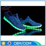 Éclairage LED rechargeable de 11 couleurs de charge des hommes USB vers le haut des chaussures colorées