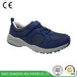 La santé de grace chausse les chaussures de course des hommes