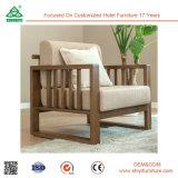 Estilo moderno e sofá de madeira do agregado familiar da tela