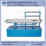 Soffitto del PVC e macchina dell'espulsione dei comitati di parete