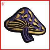 Pilz gesticktes Abzeichen für Kleider (YH-EB143)