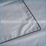 O material 100% do algodão empluma-se para baixo a tampa branca do descanso