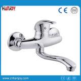 Mélangeur bon marché de robinet de cuisine de zinc de mur