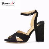 2017 sandali delle donne degli alti talloni della signora pattini casuali di modo (CIF)