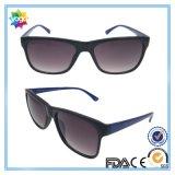 2016 lunettes de soleil polarisées par mode de Mens&Women neuf de modèle