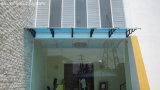 Предусматрива дома сада DIY с листом поликарбоната и пластичной поддержкой