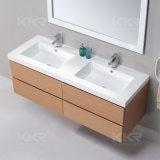 マットの終わりの白い人工的な石造りの固体表面の浴室の洗面器